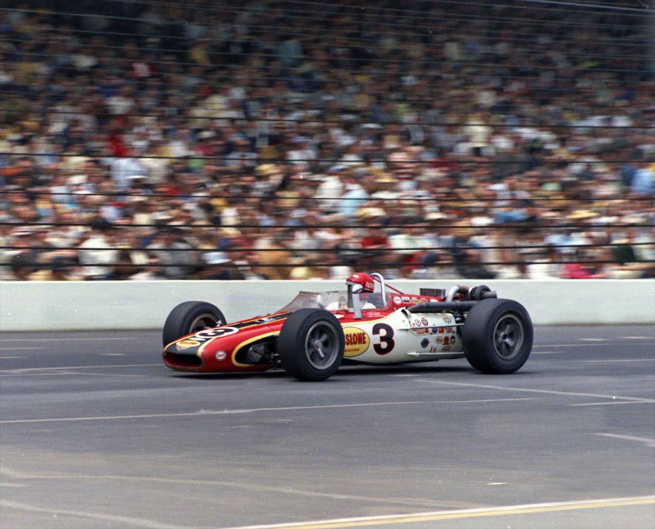 Unser vence primeira Indy 500 em 1968