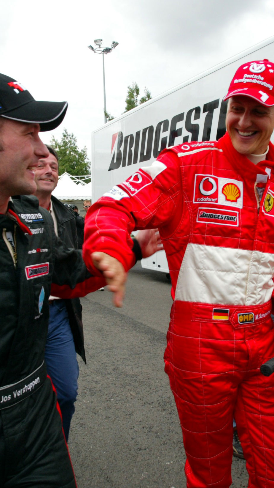 Schumacher saúda Verstappen pela pole provisória (WRI.net)