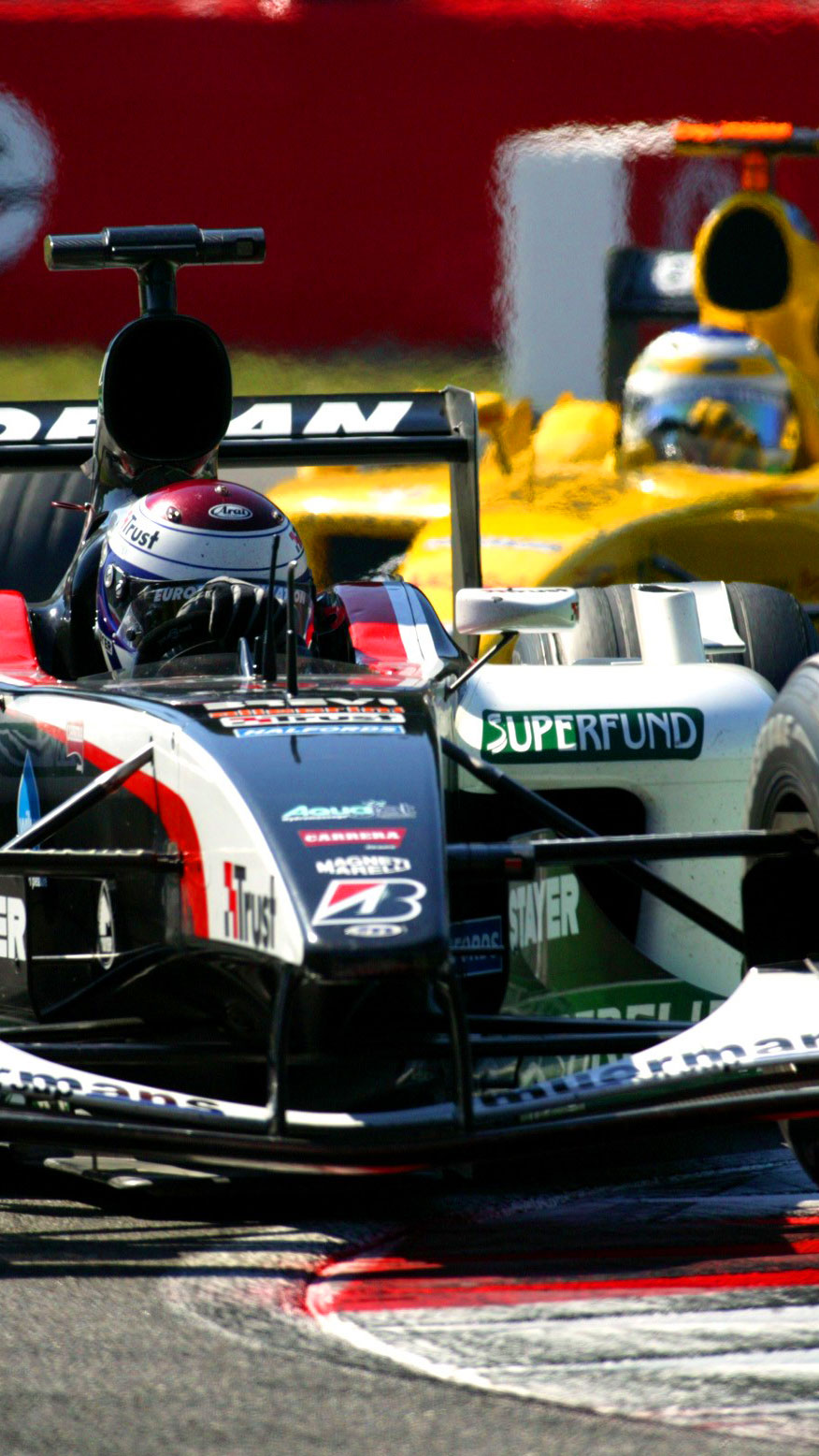 Verstappen à frente de Fisichella (WRI)